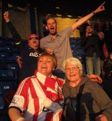 sunderland english soccer fans