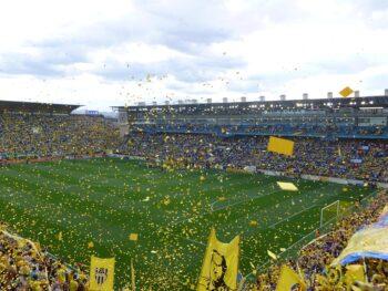Yellow Submarine fans celebrate Villarreal win