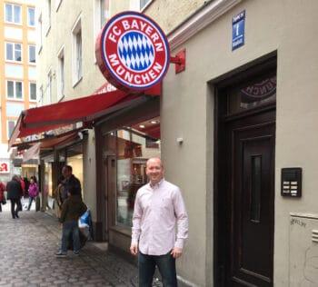 man under bayern munich store sign