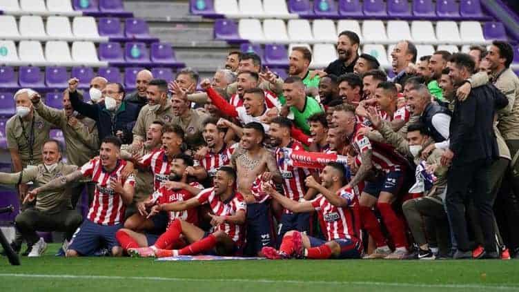 Atlético Madrid with the 2021-22 Spanish La Liga team trophy