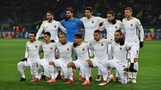 pregame pic of A.S. Roma team