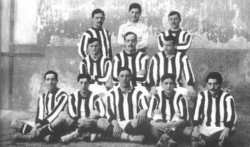 Atletico Madrid's uniforms in 1911